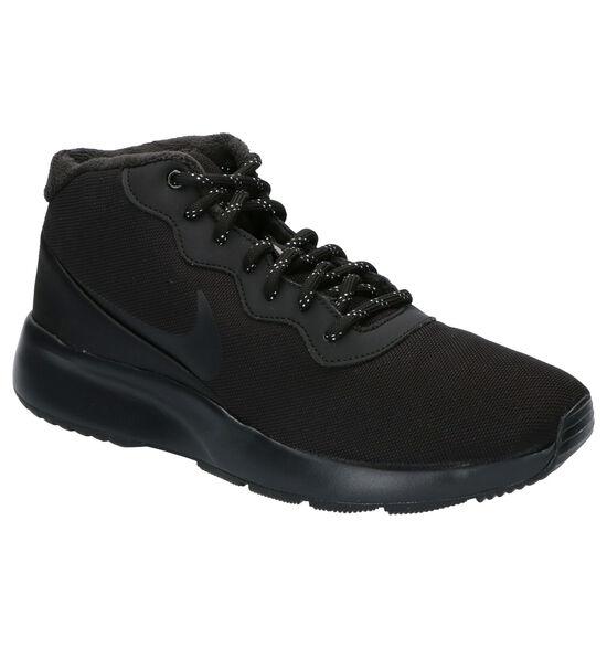 Nike Tanjun Chukka Zwarte Sneakers