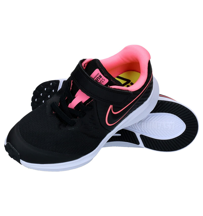 Nike Star Runner Zwarte Sneakers in stof (283856)