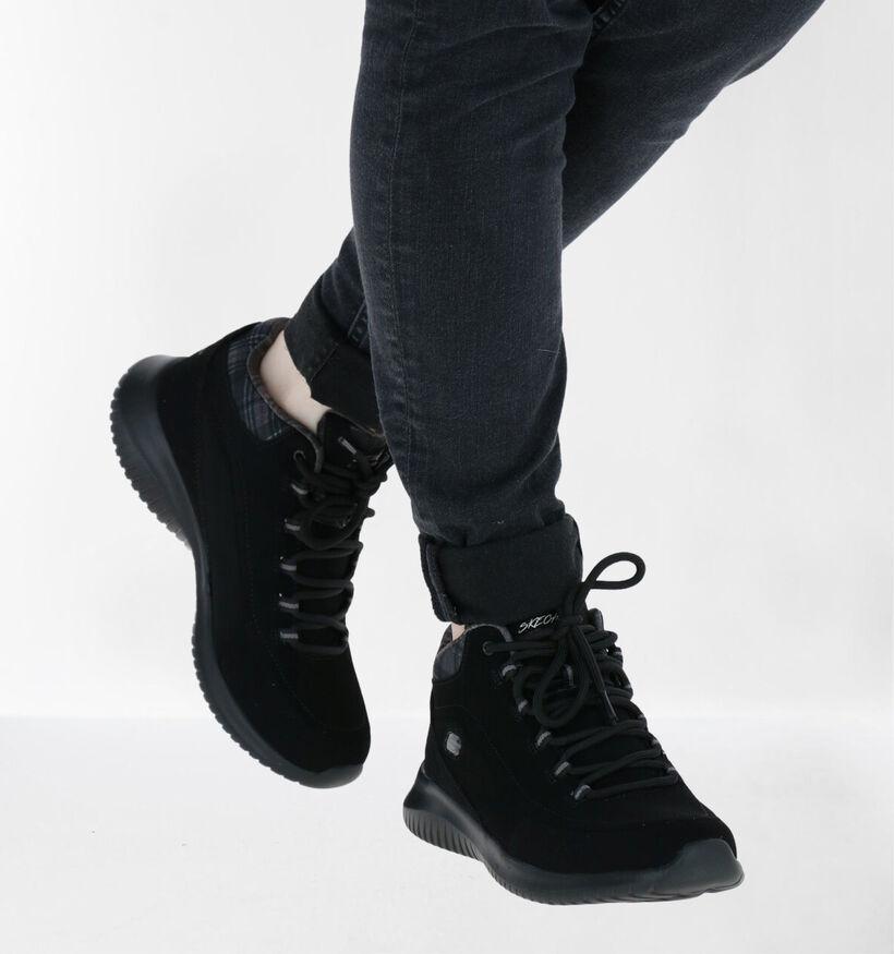 Skechers Ultra Flex Zwarte Hoge Sneakers in nubuck (279331)