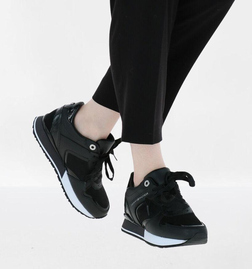 Tommy Hilfiger Dressy Wedge Zwarte Sneakers in kunstleer (279991)