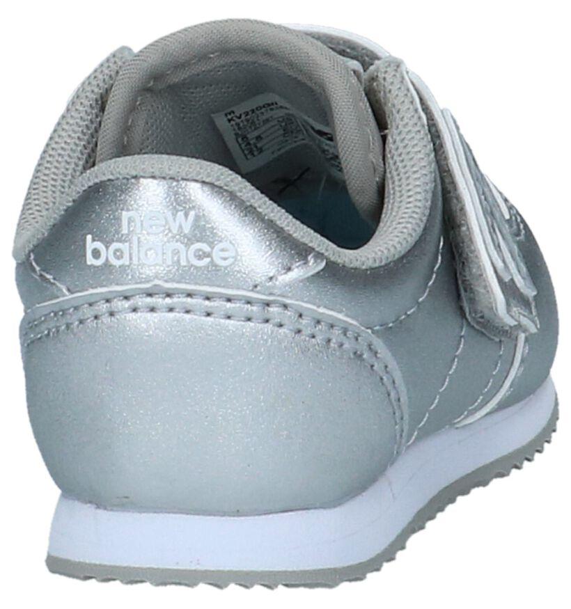 Zilveren Babysneakers New Balance KV 220 in kunstleer (222832)