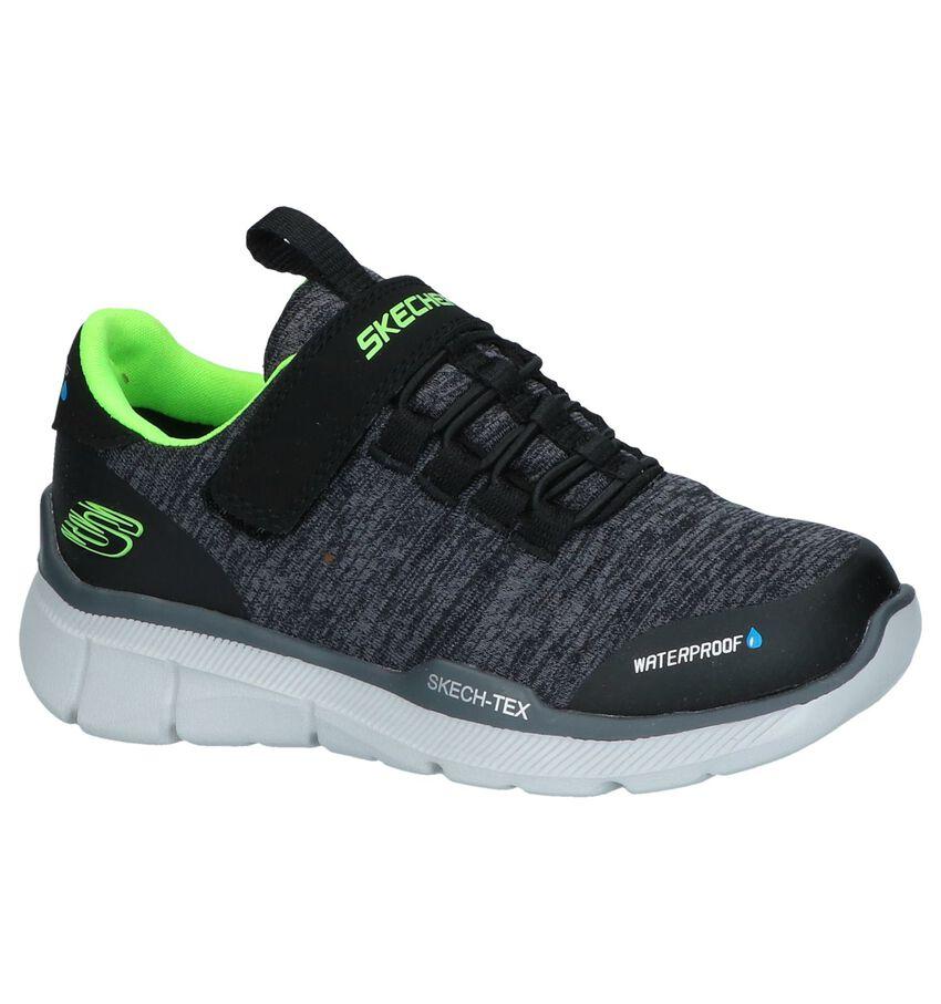 Zwarte Slip-on Sneakers Skechers Waterproof