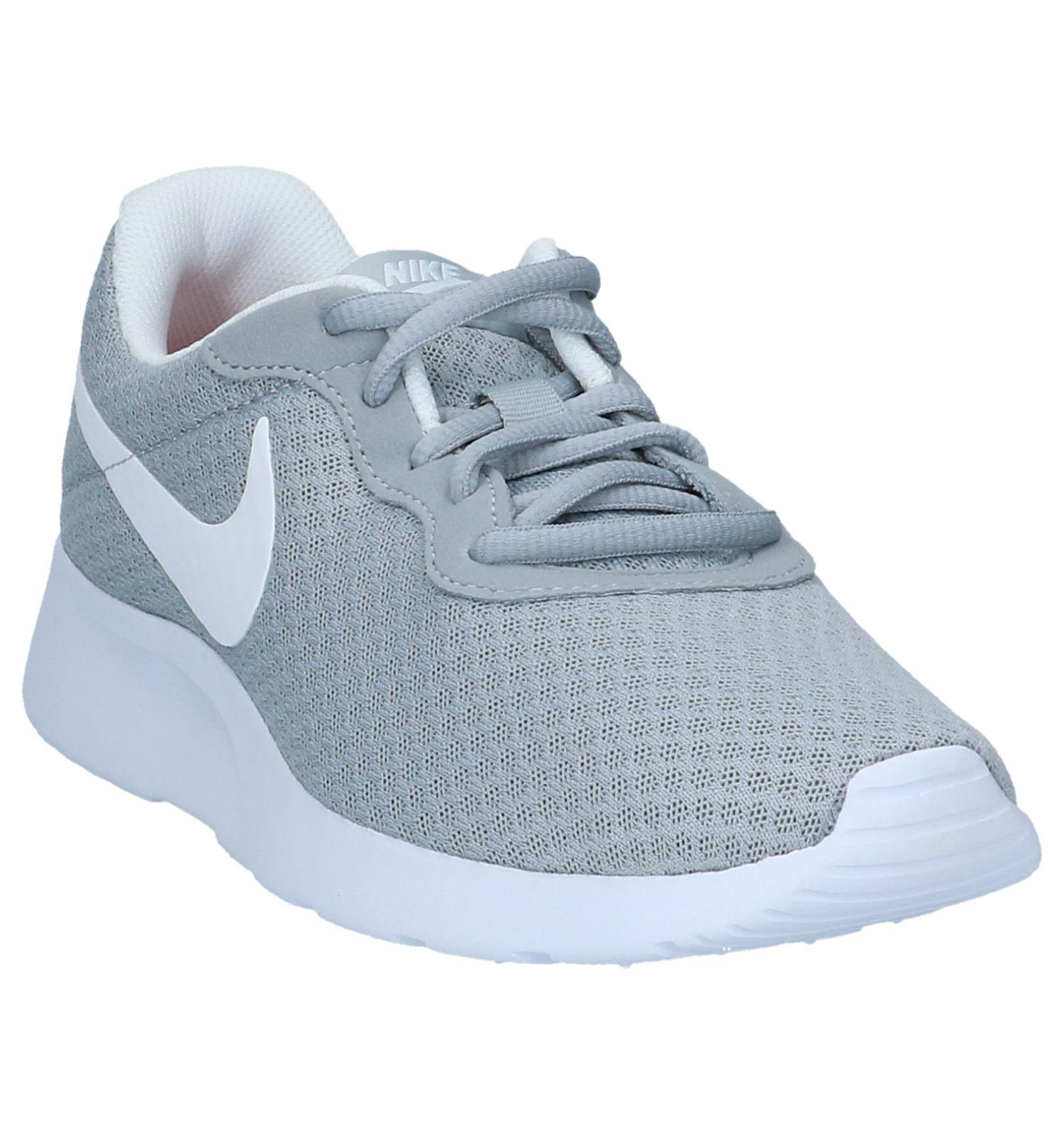 Licht Grijze Nike Tanjun Sneakers